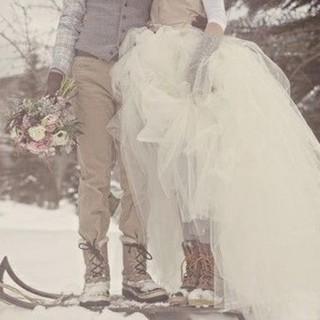 Enriquece tu vestido de novia en la nieve