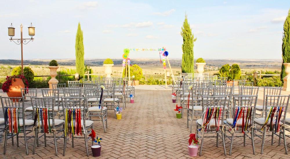 La boda de Iciar y Raúl, color, color y más color