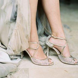 Flechazo con los zapatos de bellabelleshoes Cotillea todos sus modeloshellip