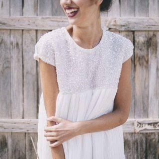 Nos encanta este vestido de charlottedanielnovias y en breve podremoshellip