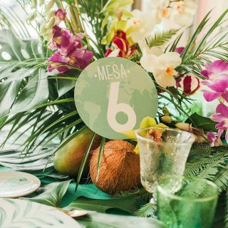 Decoración tropical para tu mesa de bodas