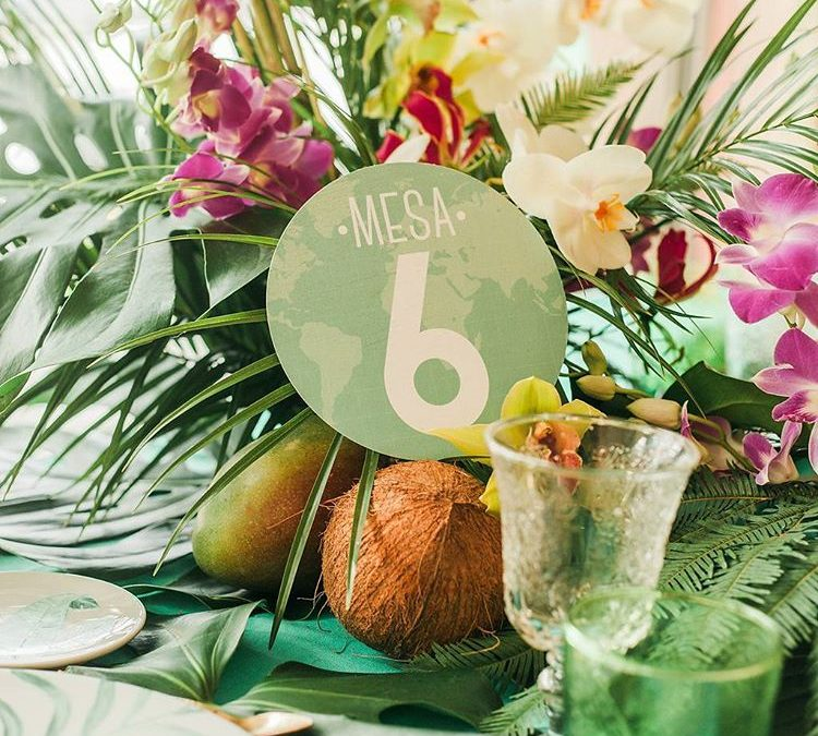 Decoración tropical para tu mesa de bodas