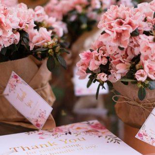Flores bonitas para celebrar cosas bonitas Fotografa erikaramiro babyshower candybarhellip