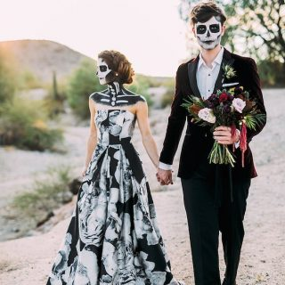 Happy Halloween!! Fotografa Ashley Rae Photography hallowedding wedding halloween inspiracionhellip