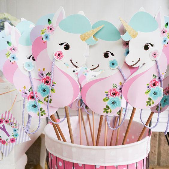 Fiestas con tem tica unicornio presume de boda for Tavolo unicorno